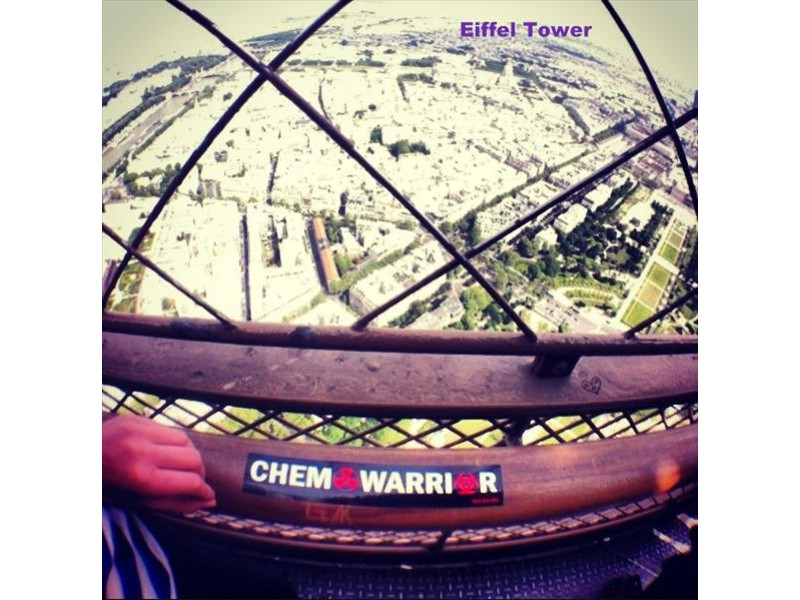 top_of_eiffel_tower